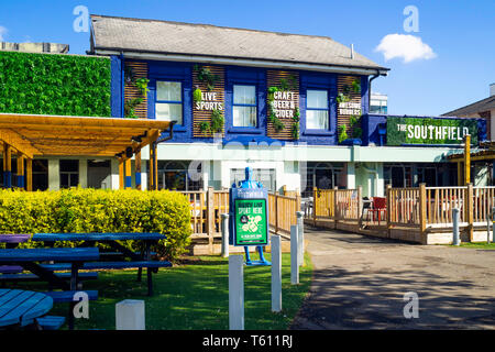 The Southfield Pub situated in the centre of the Teesside University Campus in Middlesbrough - Stock Image