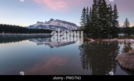 Two Jack Lake sunrise, Banff national Park, Canada - Stock Image