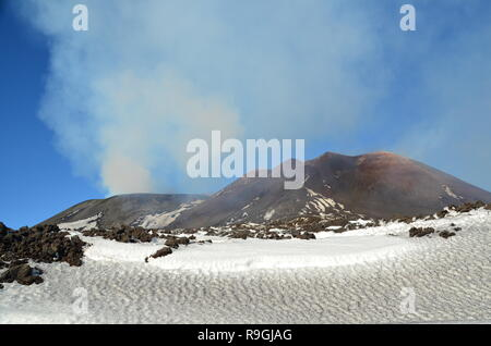 Catania, Sicily, Italy. 23th December, 2018. Europe's most active volcano, Mount Etna, a day before it erupts. Credit: jbdodane/Alamy Live News - Stock Image