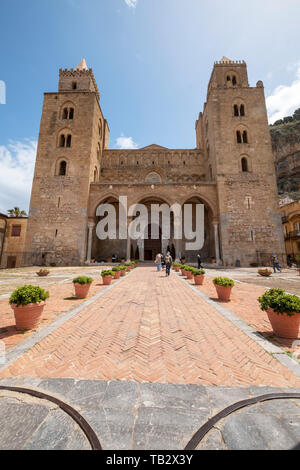 The Cathedral of Cefalù (Duomo di Cefalù)  Roman Catholic basilica in Cefalù, Sicily. - Stock Image