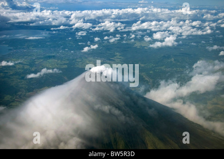 The live volcano, Mount Mayon, Philippines - Stock Image