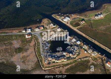 France, Aude, Gruissan, Saint Martin islands, Ayrolle huts (aerial view) - Stock Image