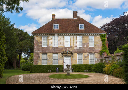 Arundells, home of former Prime Minister Edward Heath, in Cathedral Close, Salisbury, a cathedral city in Wiltshire, south-west England, UK - Stock Image