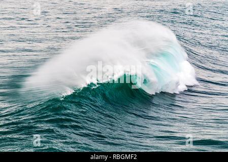 Breaking wave, Praia do Norte, Nazare, Centro, Portugal - Stock Image