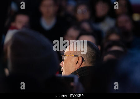 London, United Kingdom. 15th Mar, 2019. A vigil for the Christchurch mosque terror attacks takes place at the New Zealand War Memorial at Hyde Park corner. Pictured: Sir Jerry Mateparae, New Zealand High Commissioner to the United Kingdom Credit: Peter Manning/Alamy Live News - Stock Image