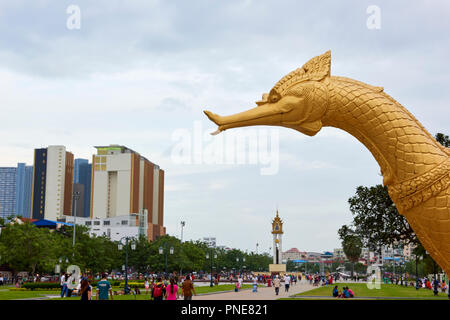 Gilt statue of Hang Meas, the sacred golden bird, in Botum Park, Phnom Penh, Cambodia. - Stock Image