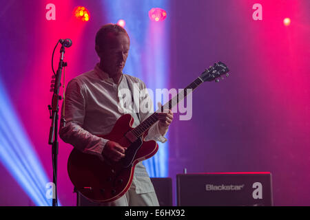 Southsea, Hampshire, UK. 24th August, 2014. Victorious Festival - Sunday, Southsea, Hampshire, England.  Steve Cradock - Stock Image