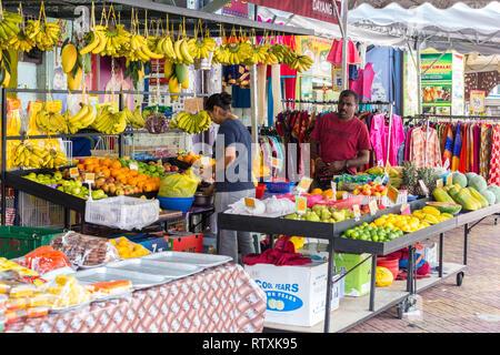 Sidewalk Fruit Vendor, Little India, Brickfields, Kuala Lumpur, Malaysia. - Stock Image