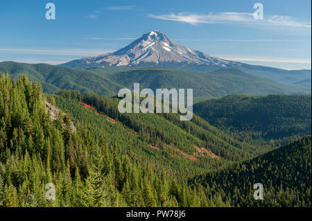 Wy'east, Oregon's tallest peak (also known as Mt. Hood) as seen from High Rock. - Stock Image