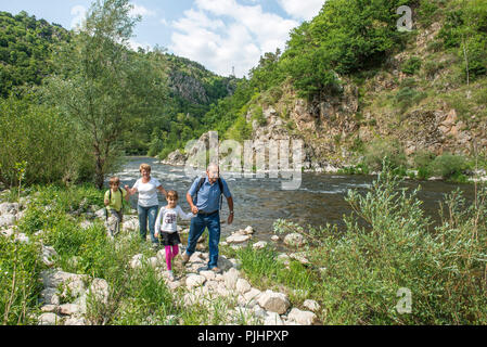 France, Center France, Beauzac, family outing along the Loire River - Stock Image