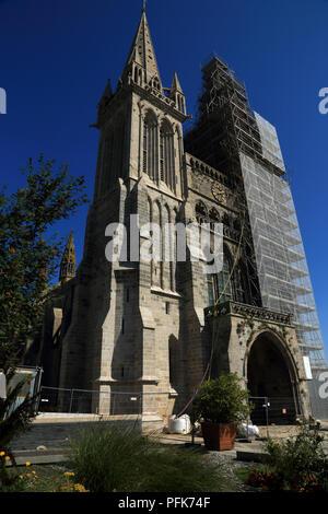 View of Catherdrale Saint Pol d'Aurelien, Place Alexis Gourvennec, St Pol de Leon, Finisterre, Brittany, France - Stock Image