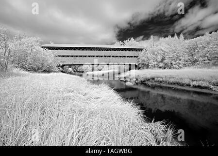 Covered Bridge, Quebec, Canada - Stock Image