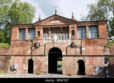 The Porta San Pietro in Lucca city walls, Tuscany, Italy, Europe - Stock Image