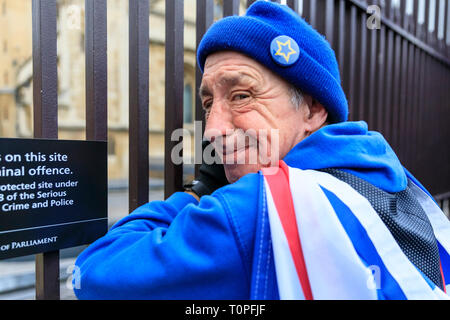 Westminster, London, UK, 21th Mar 2019. Protester David regularly travels all the way from Devon to join the protest. Anti-Brexit protesters around SODEM (Stand of Defiance European Movement) founder Steve Bray get together outside the Houses of Parliament for their daily 'Stop Brexit' shout at the gates. The shout out every evening has become a routine over the last almost 2 years, as they defiantly make their voices heard. Credit: Imageplotter/Alamy Live News - Stock Image