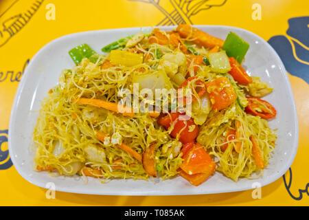 Singapore style fried noodle, Bangkok, Thailand - Stock Image