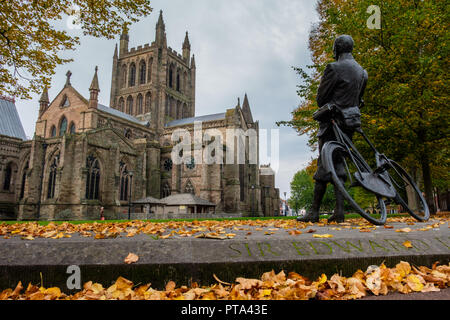 EdwardElgar statue in the grounds of Hereford Cathedral, Hereford, Herefordshire - Stock Image
