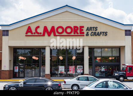 HICKORY, NC, USA-20 AUG 2018: An A.C. Moore store, a retailer selling arts and crafts supplies. - Stock Image