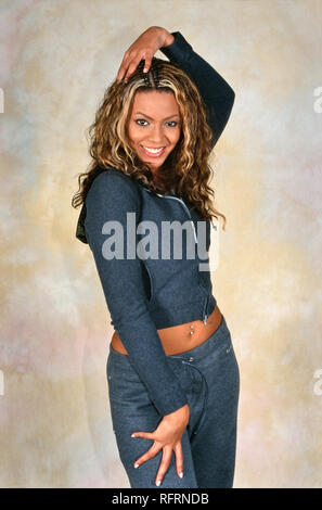 LONDON, ENGLAND - NOV 18, 2000: Beyoncé Knowles singer of Destiny's Child during a photoshoot in London. Original photo is a slide. - Stock Image