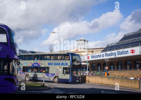 The Bio Gas Bus leaves Reading Station, Berkshire. - Stock Image