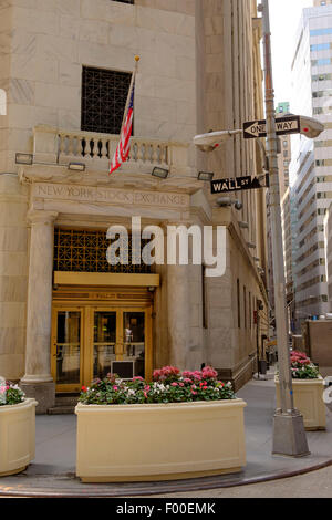 New York Stock Exchange building, Wall Street, NY, New York, USA, United States of America. - Stock Image
