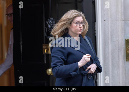 London 26th March 2019, Penny Mordaunt, MP PC, International Development Secretary leaves a Cabinet meeting at 10 Downing Street, London Credit: Ian Davidson/Alamy Live News - Stock Image