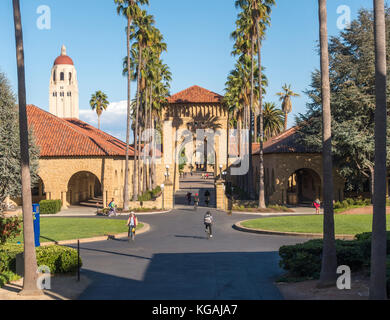 Stanford University Gates to the Main Quad on the East-West Axis. Lomita Mall in the foreground and Hoover Tower - Stock Image