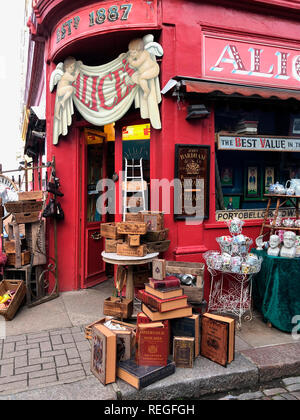 Shop on the Portobello Road in London, England - Stock Image
