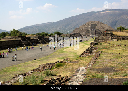 The Pyramid of the Moon and the Avenue of the Dead, Teotihuacan, Mexico - Stock Image