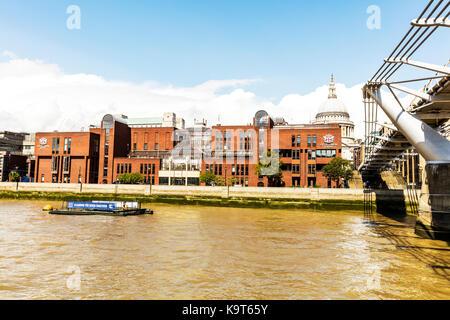 City Of London School, City of London School, St. Pauls Cathedral, Millenium, Bridge, River Thames London UK, City - Stock Image