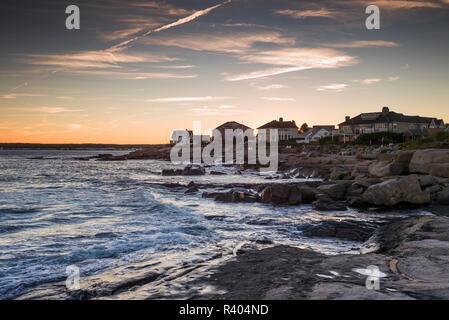 USA, Maine, York, York Beach Cliffs at dusk - Stock Image