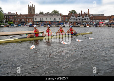 Henley Royal Regatta  Semi Finals  -The Chinese National Rowing Team leave  the pontoon  for  their race in the Princess Grace Challenge Cup semi finals against the  Advanced Rowing Initiative of the Northeast, U.S.A.    Credit Gary Bake/Alamy Live - Stock Image