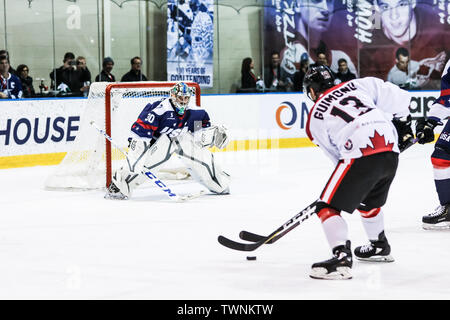 MELBOURNE, AUSTRALIA - JUNE 21: Max Strang of USA ready to stop a shot in the 2019 Ice Hockey Classic in Melbourne, Australia - Stock Image