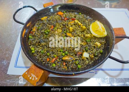 Paella de Marisco, seafood paella, Cadiz, Andalucia, Spain - Stock Image