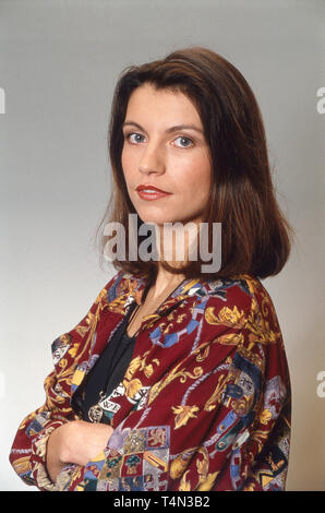 Berit Schwarz, deutsche Journalistin und Moderatorin in der Sendung 'Doppelpunkt', Deutschland 1992. German journalist and presenter of talk show 'Doppelpunkt', Germany 1992. - Stock Image