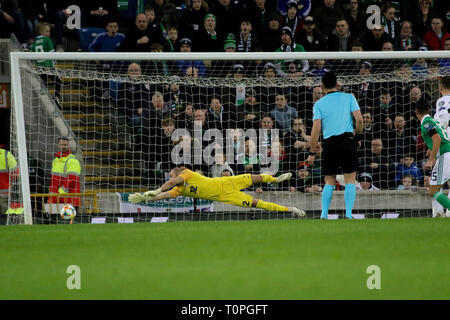 Belfast, UK. 21st Mar 2019. National Football Stadium at Windsor Park, Belfast, Northern Ireland. 21 March 2019. UEFA EURO 2020 Qualifier- Northern Ireland v Estonia. Action from tonight's game. Jordan Jones (15) fires wide for Northern Ireland. Credit: David Hunter/Alamy Live News. - Stock Image