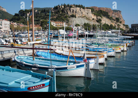 Boast moored in the marina at Cassis, southern France - Stock Image
