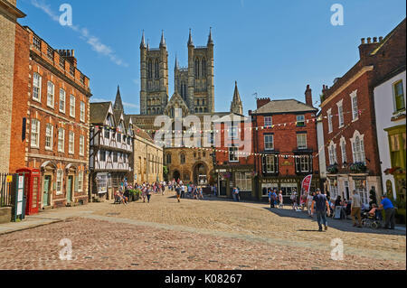Steep Hill in Lincoln links Lincoln Cathedral with the city centre and  ends in the old market square. - Stock Image