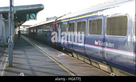 HST sits in Platform 4 of Swindon station in January 2017 branded in First Great Western livery. - Stock Image