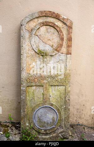 Ireland, Co Leitrim, Manorhamilton, Teapot Lane, Clochan Athar marker stone at end of road - Stock Image