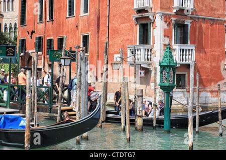 Traghetto (ferry gondola), Venice, Italy - Stock Image