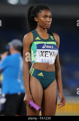 YOKOHAMA, JAPAN - MAY 11: Rose Xeyi of South Africa at the start of the women's 4x100m heats during day 1 of the IAAF World Relays at Nissan Stadium on May 11, 2019 in Yokohama, Japan. (Photo by Roger Sedres/Gallo Images) - Stock Image