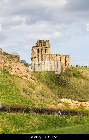 Ruins of Tynemouth priory, Tyne and Wear. The priory itself was founded in the 7th century with the building remains - Stock Image