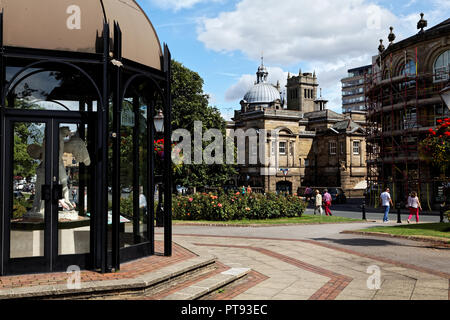 The Royal Baths and the Pavilion at Crescent Gardens, Horrogate, Yorkshire, England, UK - Stock Image