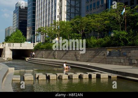 Cheonggyecheon stream in Seoul, South Korea in summer - Stock Image
