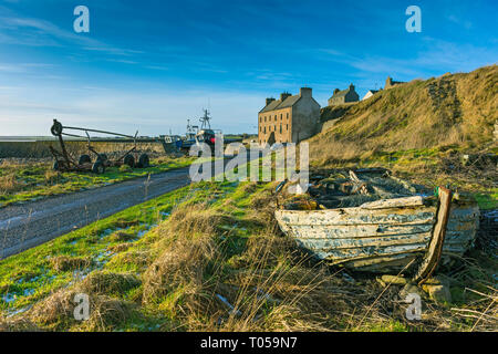 The Harbour House at Keiss, harbour.  Built c1831, formerly a fishing warehouse, now converted to a holiday home.  Keiss, Caithness, Scotland, UK - Stock Image