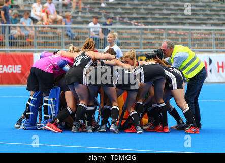 Krefeld, Germany, June 16 2019, hockey, women, FIH Pro League, Germany vs. Australia:  German players huddle. - Stock Image