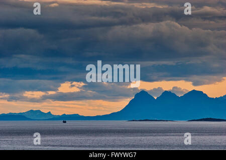 Lofoten seen from island Tjeldoya in northern Norway. - Stock Image