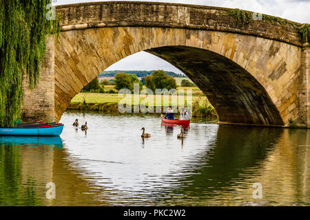 Canoeists on the River Thames at Lechlade-on-Thames, Gloucestershire, UK. - Stock Image