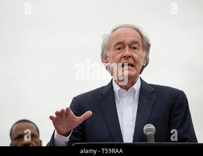Edward John Markey, Massachusetts Democrat, a junior United States Senator since 2013 serving 7th U.S. congressional district from 1976.  Markey is shown addressing striking United Food & Commercial Workers (UFCW) outside of a Dorchester, MA, Stop & Shop grocery store. - Stock Image