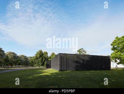 General view from north. Serpentine Summer Pavilion 2018, London, United Kingdom. Architect: Frida Escobedo, 2018. - Stock Image